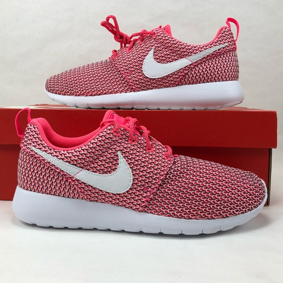 7f3d693f16a9 Nike Roshe shoes girls 6y One free running pink
